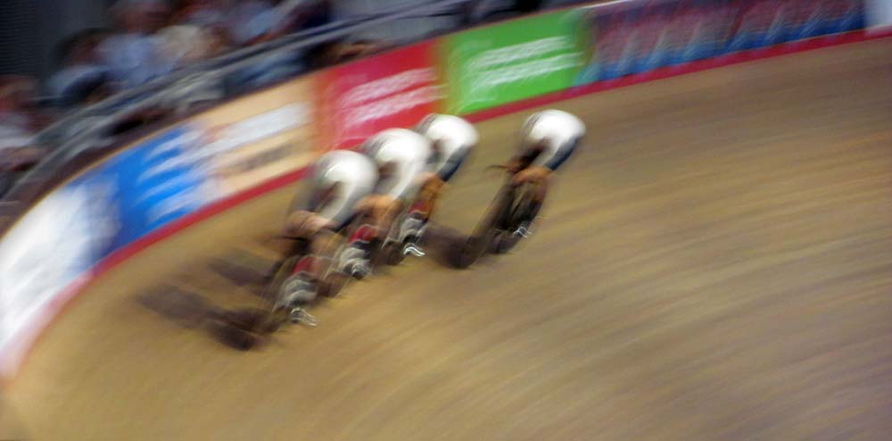 Women's team pursuit squad in Velodrome